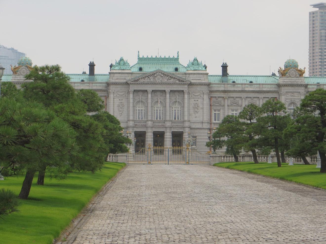 Josiah 39 s japan travelogue 3 part 2 july 2013 for Classic house akasaka
